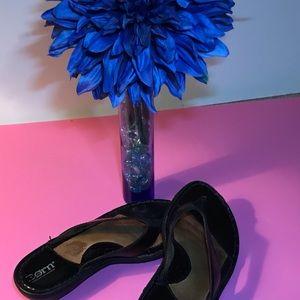 Born black sandles